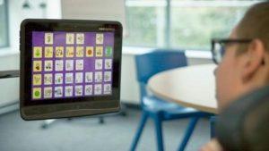Hihg Tech HUlpmiddelen Meer geavanceerde technologische hulpmiddelen Bijv.  Tablet met apps Oogbestuurde computer